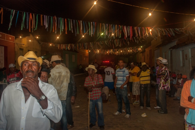 Police arriving to end the ensaio of Maracatu Leão Mimoso in 2011